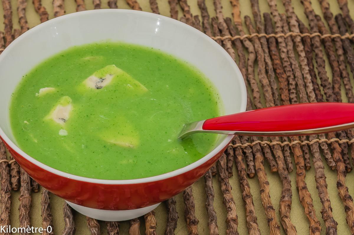 Photo de recette de soupe, courgettes, gorgonzola, facile, rapide, léger, économique, bio de Kilomètre-0, blog de cuisine réalisée à partir de produits locaux et issus de circuits courts