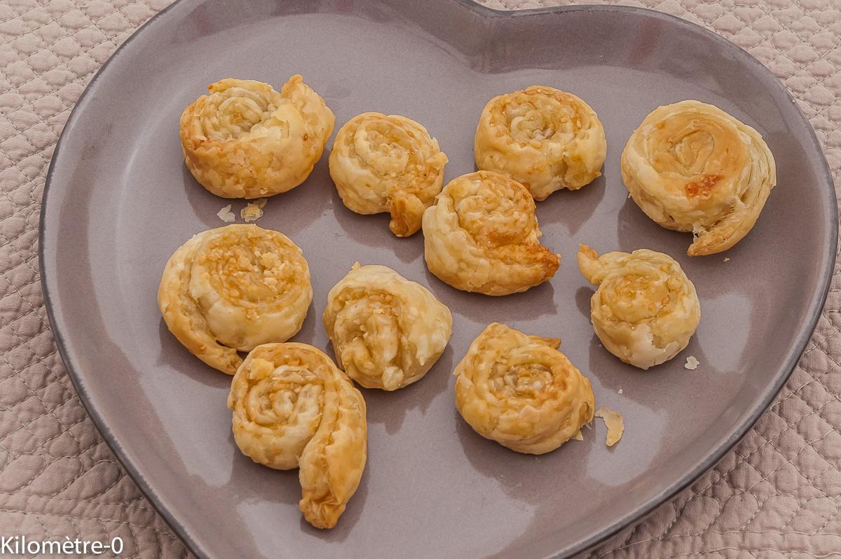 Photo de recette de feuilleté, apéro, parmesan, facile, rapide, léger de Kilomètre-0, blog de cuisine réalisée à partir de produits locaux et issus de circuits courts