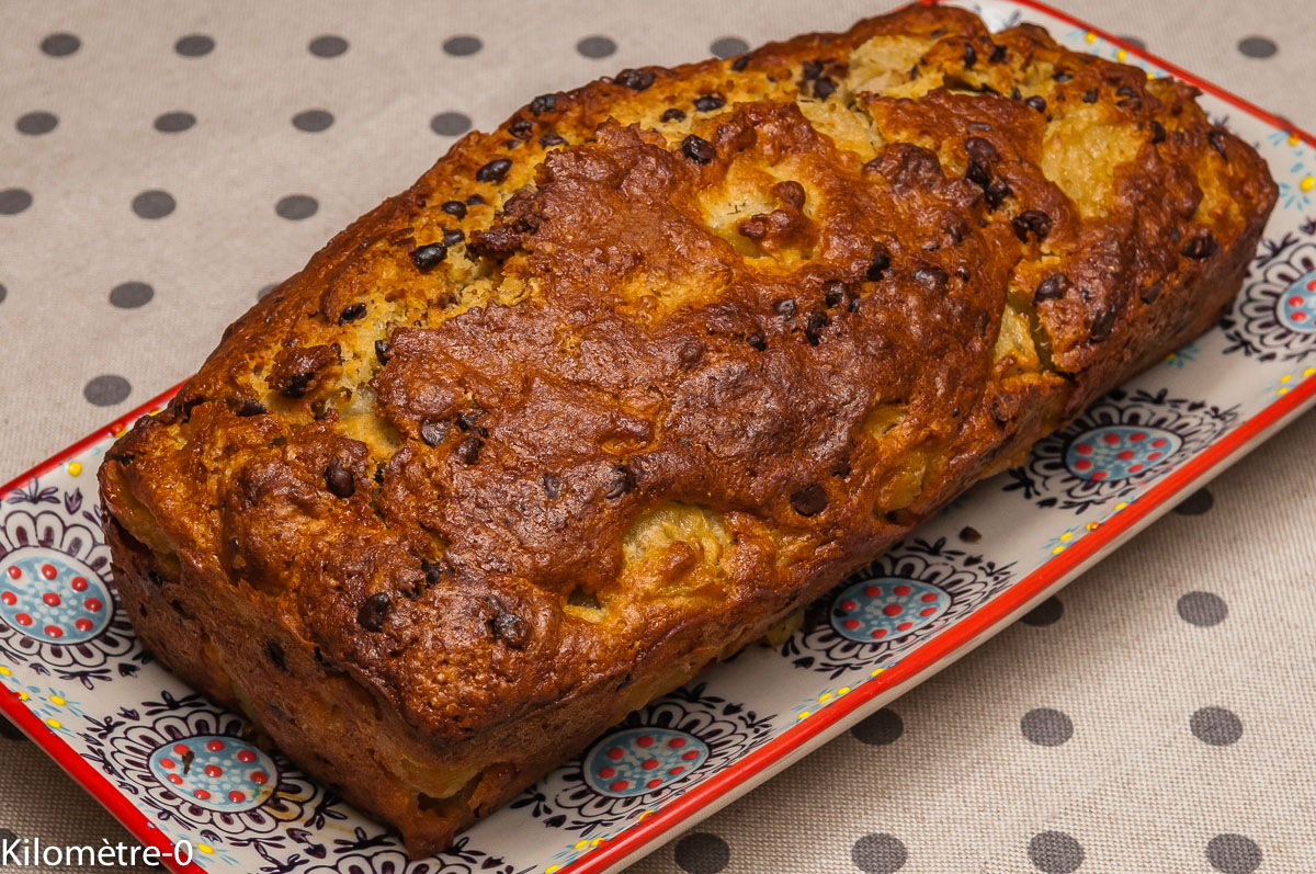 Photo de recette de cake sucré, poires, chocolat, semoule de maïs, T 65, facile, rapide, léger, bio de Kilomètre-0, blog de cuisine réalisée à partir de produits locaux et issus de circuits courts