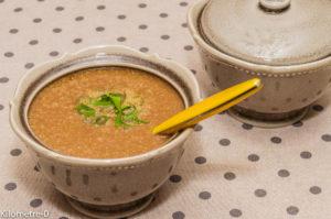 Photo de recette de soupe, velouté, chou fleur, poireau, pomme de terre, facile, rapide, léger Kilomètre-0, blog de cuisine réalisée à partir de produits locaux et issus de circuits courts