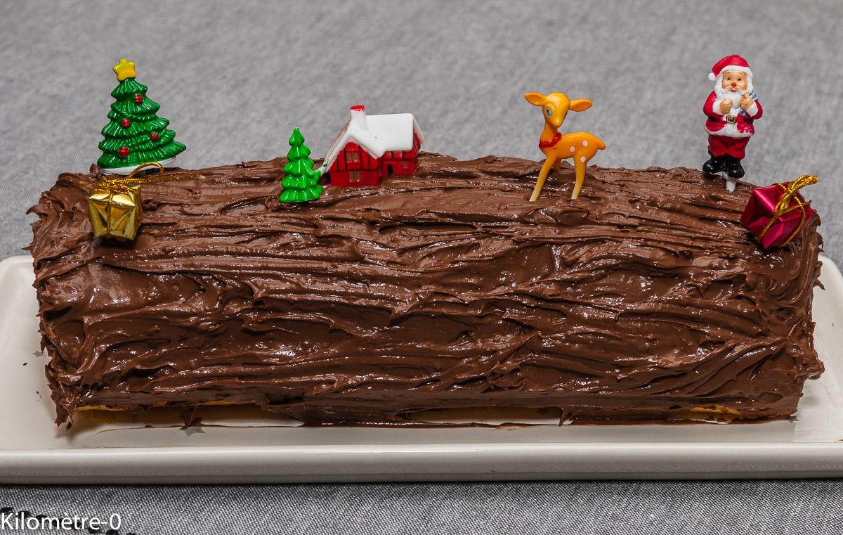 Photo de recette de bûche maison, bûche facile, Noël, chocolat, clémentines, rapide, léger, bio de  Kilomètre-0, blog de cuisine réalisée à partir de produits locaux et issus de circuits courts