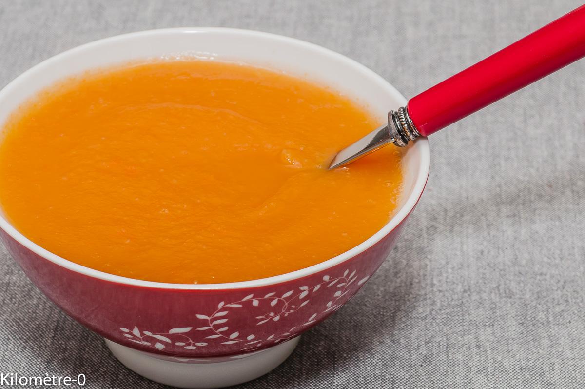 Photo de recette de soupe, céléri, carotte, facile, rapide, bio, économique, léger,Kilomètre-0, blog de cuisine réalisée à partir de produits locaux et issus de circuits courts