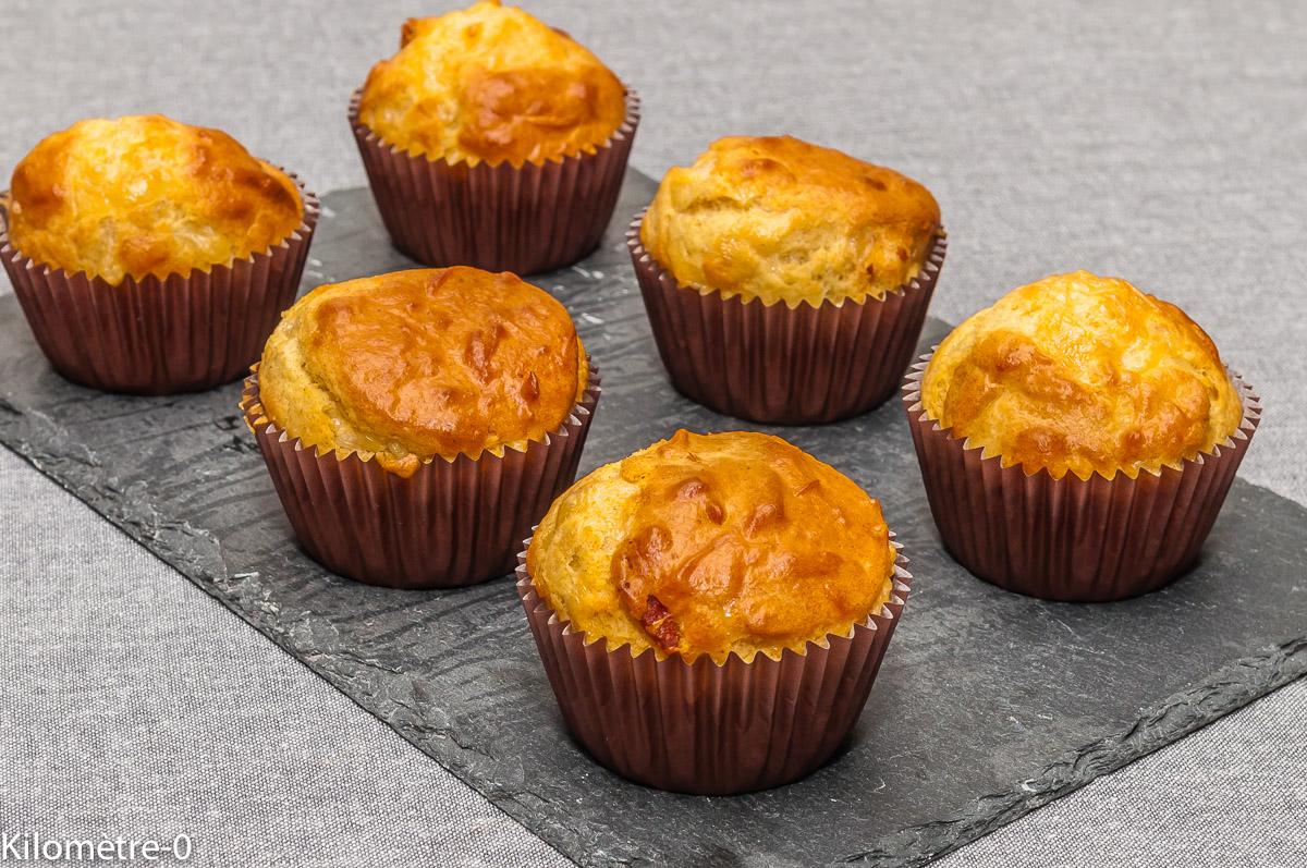 Photo de recette de muffin, salé, fromage, emmental, chorizo, facile, rapide, léger, bio, apéro,  de Kilomètre-0, blog de cuisine réalisée à partir de produits locaux et issus de circuits courts