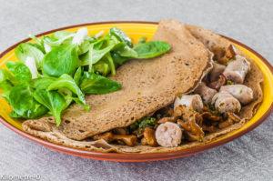 Photo de recette de galette, bretonne, sarrasin, saucisses, champignons, girolles de Kilomètre-0, blog de cuisine réalisée à partir de produits locaux et issus de circuits courts