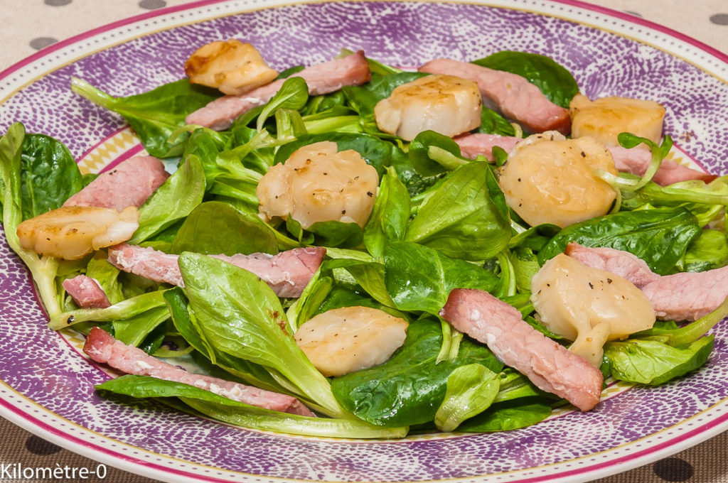 Photo de recette de salade saint jacques, mâche, bacon, facile, rapide, léger de  Kilomètre-0, blog de cuisine réalisée à partir de produits locaux et issus de circuits courts