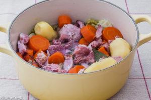 Photo de recette de cocotte, chou, carotte, jarret de porc, facile, rapide, léger, bio de Kilomètre-0, blog de cuisine réalisée à partir de produits locaux et issus de circuits courts