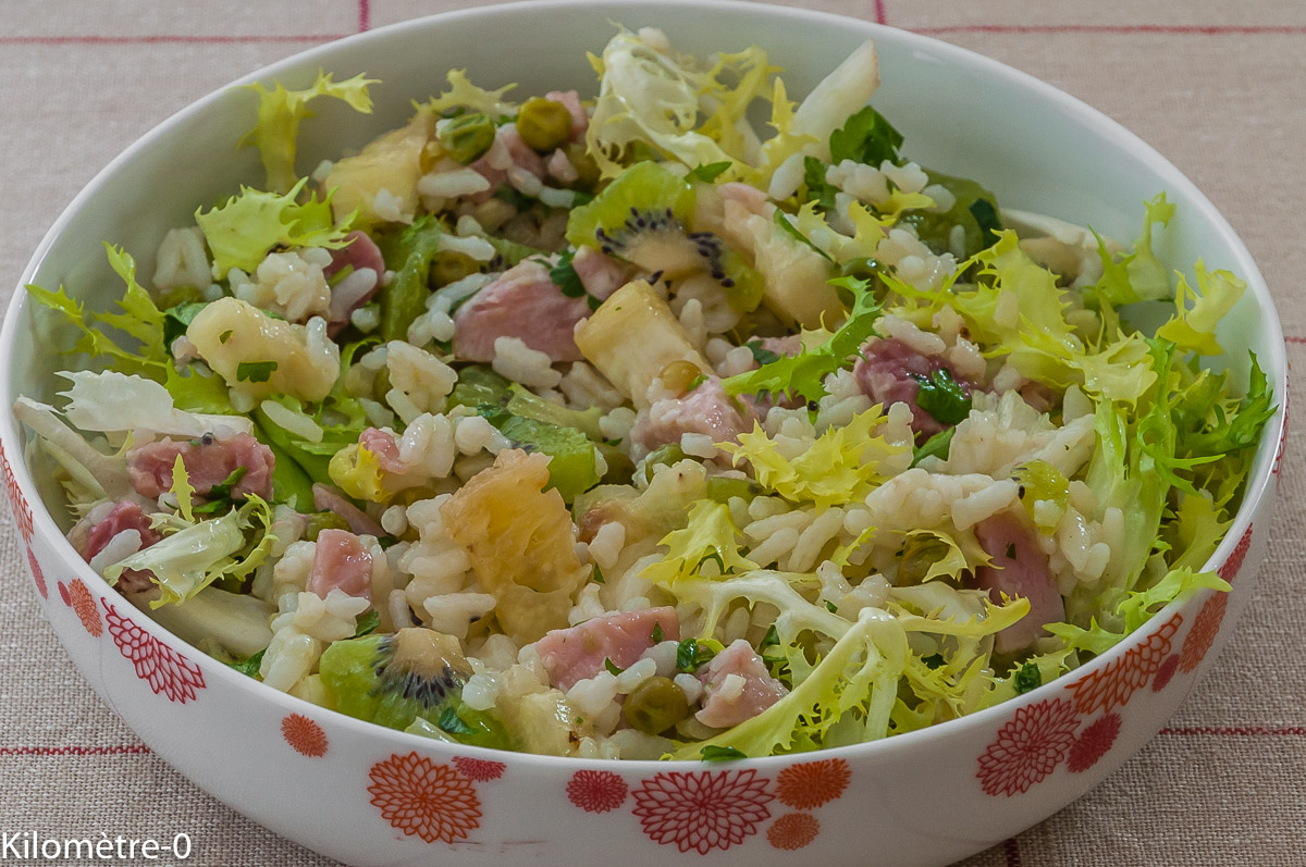 Photo de recette de salade riz, kiwis, ananas, jambon, facile rapide, bio, léger de Kilomètre-0, blog de cuisine réalisée à partir de produits locaux et issus de circuits courts