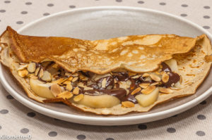 Photo de recette de crêpes, poire, amande, chocolat, facile, légère, bio de Kilomètre-0, blog de cuisine réalisée à partir de produits locaux et issus de circuits courts