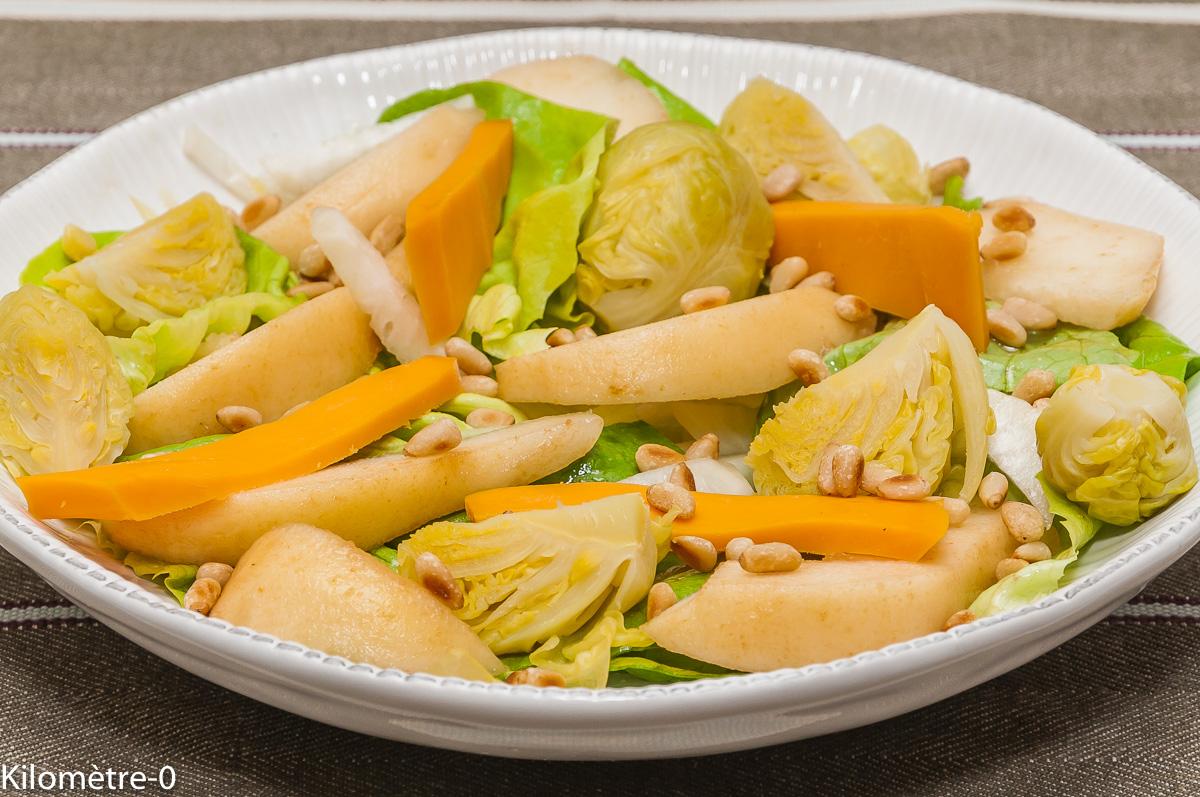 Photo de recette de salade, poire, mimolette, choux de Bruxelles de Kilomètre-0, blog de cuisine réalisée à partir de produits locaux et issus de circuits courts