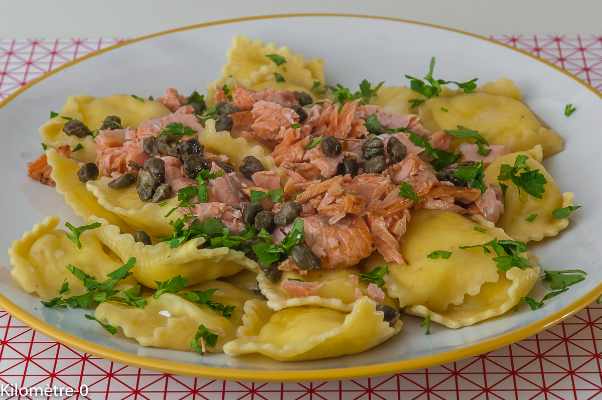 Photo de recette de raviolis au fromage, saumon et capres de  Kilomètre-0, blog de cuisine réalisée à partir de produits locaux et issus de circuits courts