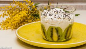 Photo de recette de verrine kiwi, fromage frais, facile, rapide, léger de Kilomètre-0, blog de cuisine réalisée à partir de produits locaux et issus de circuits courts
