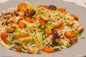 Photo de recette de nouilles, légumes, noix de cajou, bio, facile, rapide, carotte, poireau, Kilomètre-0, blog de cuisine réalisée à partir de produits locaux et issus de circuits courts