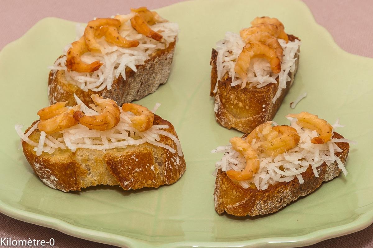 Photo de recette de toast, canapé radis noir, crevettes grises, léger, rapide, facile, Kilomètre-0, blog de cuisine réalisée à partir de produits locaux et issus de circuits courts