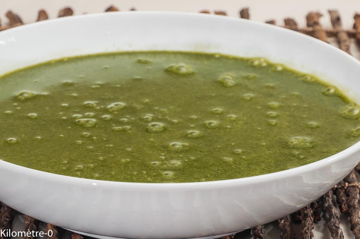 Photo de recette de soupe d'orties, facile, rapide Kilomètre-0, blog de cuisine réalisée à partir de produits locaux et issus de circuits courts