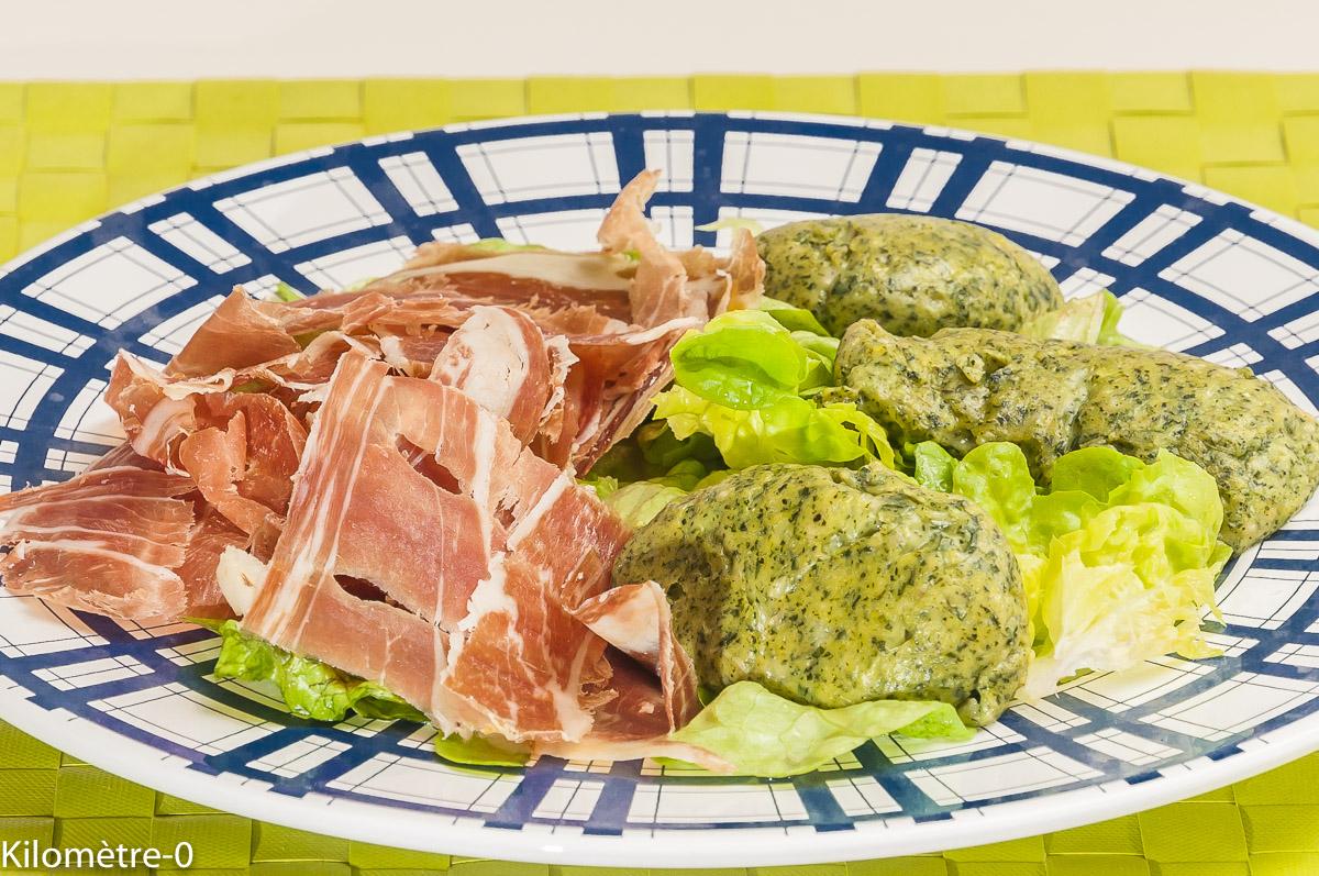 Photo de recette de quenelles aux orties, facile de Kilomètre-0, blog de cuisine réalisée à partir de produits locaux et issus de circuits courts