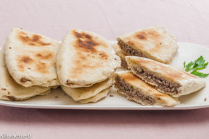 Photo de recette de cuisine syrienne, Syrie, pain syrien, pain fourré à la viande, tortilla, maison, rapide, bio de  Kilomètre-0, blog de cuisine réalisée à partir de produits locaux et issus de circuits courts