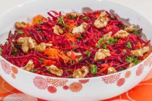 Photo de recette de carottes nouvelles, betteraves crues, noix, salade, facile, rapide, bio, léger de Kilomètre-0, blog de cuisine réalisée à partir de produits locaux et issus de circuits courts