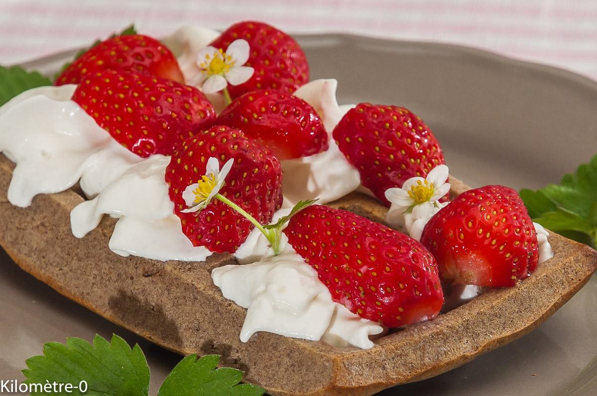 Photo de recette de gaufre, sarrasin, fraise, chantilly, Bretagne, Kilomètre-0, blog de cuisine réalisée à partir de produits locaux et issus de circuits courts