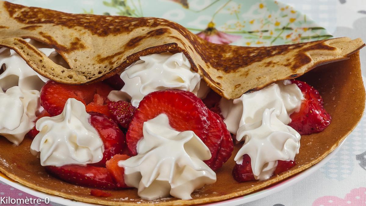 Photo de recette de crêpes, fraises, chantilly, facile, rapide, léger, Kilomètre-0, blog de cuisine réalisée à partir de produits locaux et issus de circuits courts