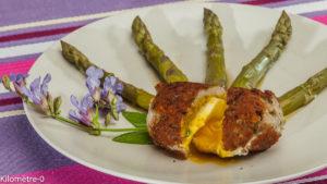 Photo de recette d'oeuf mollet pané, asperges vertes, saucisse, de Kilomètre-0, blog de cuisine réalisée à partir de produits locaux et issus de circuits courts