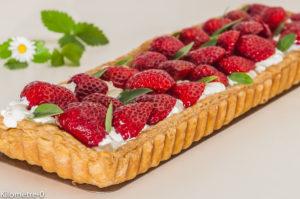 Photo de recette de tarte aux fraises, bio, chantilly, basilic, facile de Kilomètre-0, blog de cuisine réalisée à partir de produits locaux et issus de circuits courts