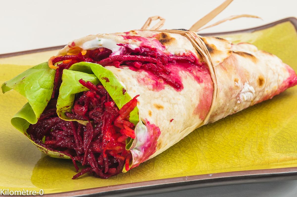 Photo de recette de  wrap végétarien, betteraves rouges, crues, betteraves, facile, bio, tortilla deKilomètre-0, blog de cuisine réalisée à partir de produits locaux et issus de circuits courts