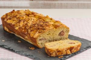 Photo de recette de cake moelleux à la rhubarbe bio, facile, rapide, léger de Kilomètre-0, blog de cuisine réalisée à partir de produits locaux et issus de circuits courts