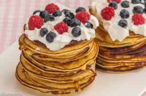 Photo de recette de pancake, myrtille, framboise, facile, chantilly rapide, léger de Kilomètre-0, blog de cuisine réalisée à partir de produits locaux et issus de circuits courts