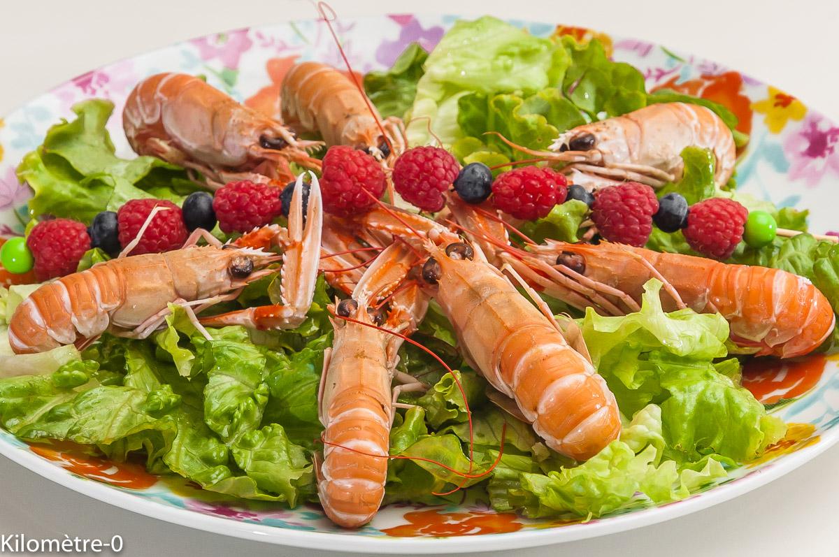 Photo de recette de salade, été, fruits rouges, langoustines, crustacés, rapide, léger, facile, Kilomètre-0, blog de cuisine réalisée à partir de produits locaux et issus de circuits courts