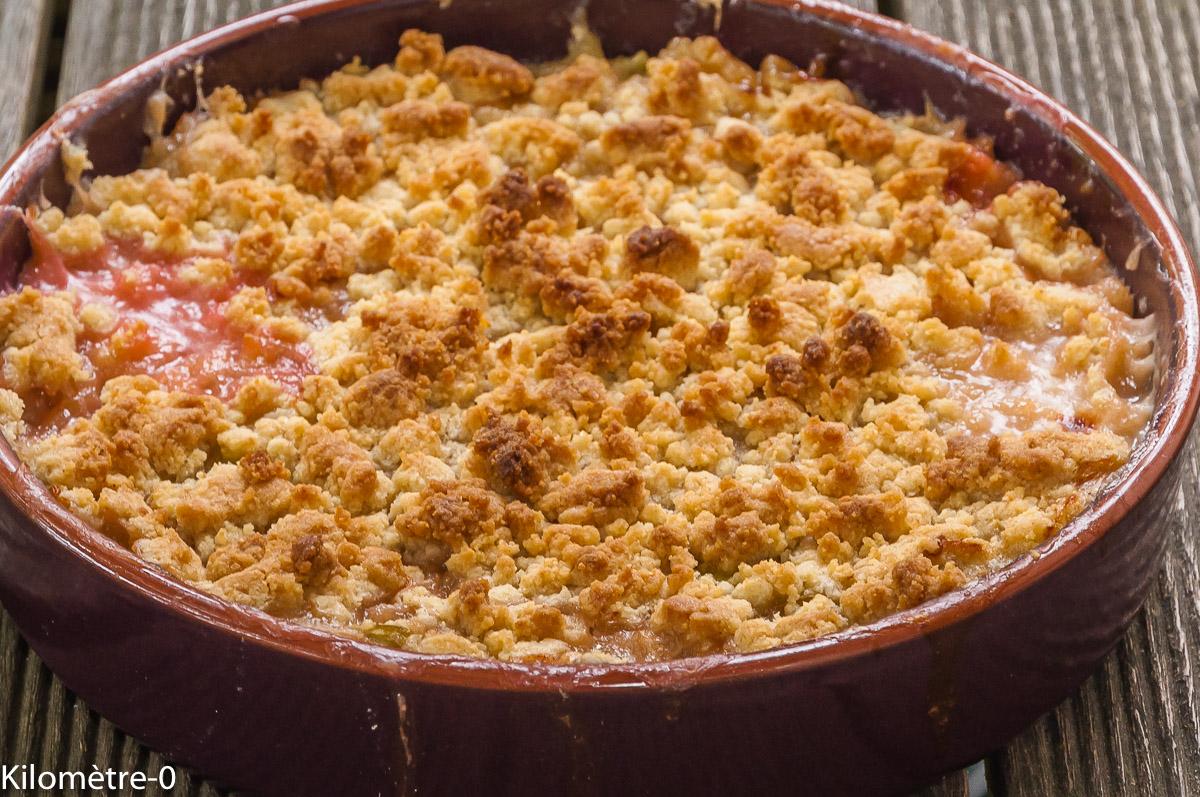 Photo de recette de crumble, rhubarbe, facile, four vapeur, de Kilomètre-0, blog de cuisine réalisée à partir de produits locaux et issus de circuits courts