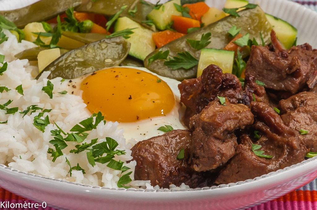 Photo de recette de bibimhap, veau, oeuf, légumes, sauce soja de Kilomètre-0, blog de cuisine réalisée à partir de produits locaux et issus de circuits courts