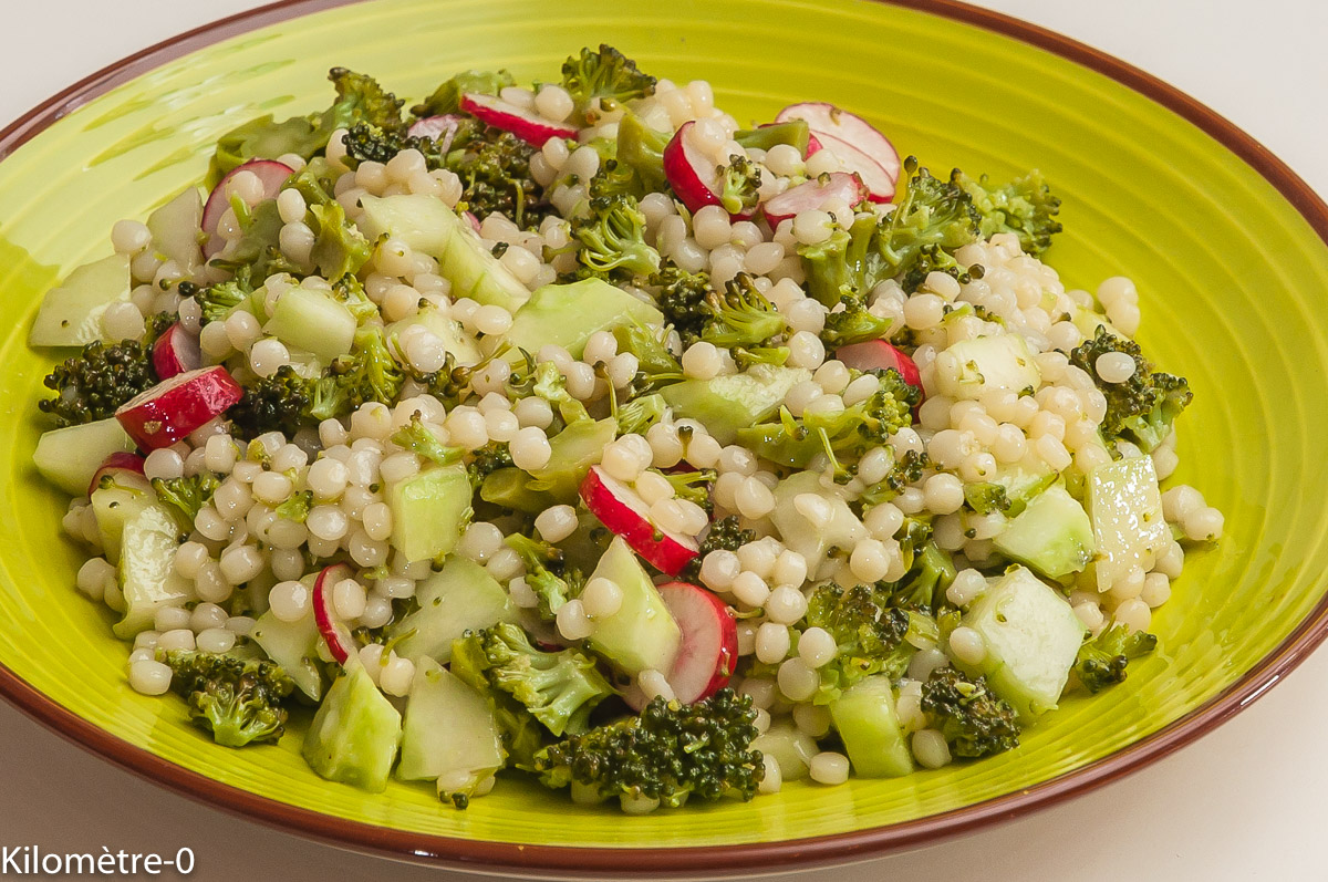Photo de recette de salade, pâtes, brocolis, concombre, radis, facile, rapide, léger de Kilomètre-0, blog de cuisine réalisée à partir de produits locaux et issus de circuits courts