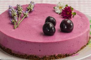 Photo de recette de cheesecake, cerises, coulis, fromage frais, beau, original, de Kilomètre-0, blog de cuisine réalisée à partir de produits locaux et issus de circuits courts