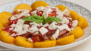 Photo de recette de salade, tomate, nectarine, brugnon, facile, été, rapide, légère de Kilomètre-0, blog de cuisine réalisée à partir de produits locaux et issus de circuits courts
