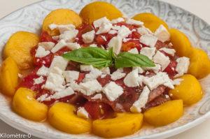 Photo de recette de salade, tomate, nectarine, facile, rapide, léger, été de Kilomètre-0, blog de cuisine réalisée à partir de produits locaux et issus de circuits courts