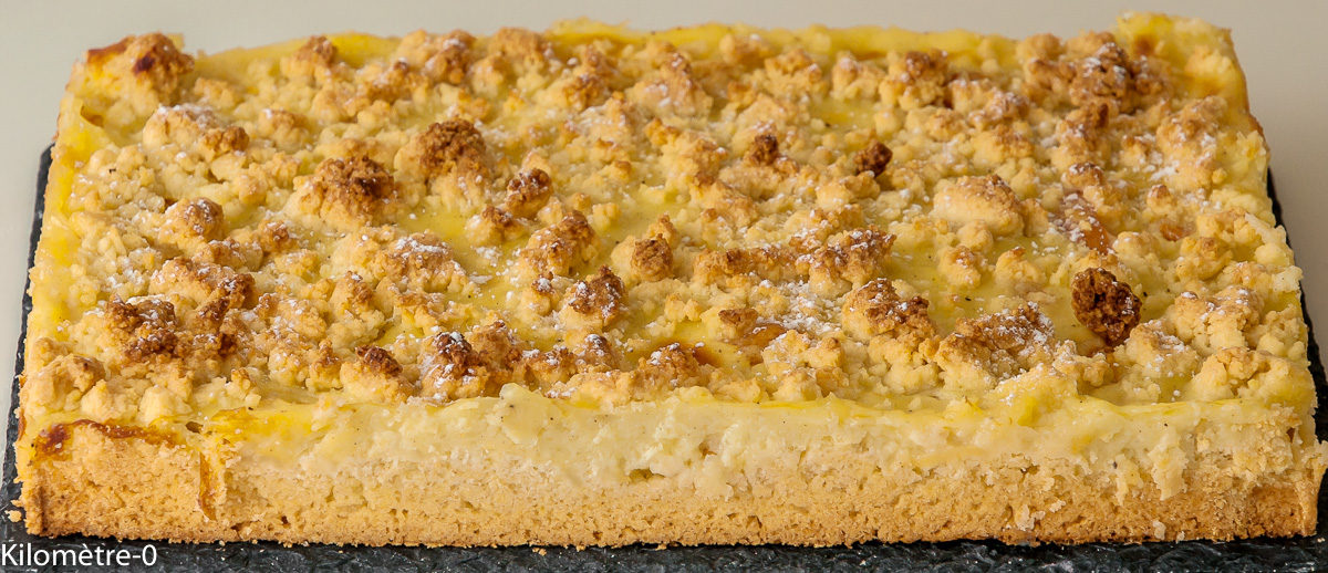 Photo de recette de carré, crémeux , gâteau, abricots, crumble, facile, crème pâtissière de Kilomètre-0, blog de cuisine réalisée à partir de produits locaux et issus de circuits courts