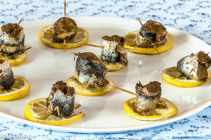 Photo de recette d'apéro, sardine, citron, pesto de Kilomètre-0, blog de cuisine réalisée à partir de produits locaux et issus de circuits courts