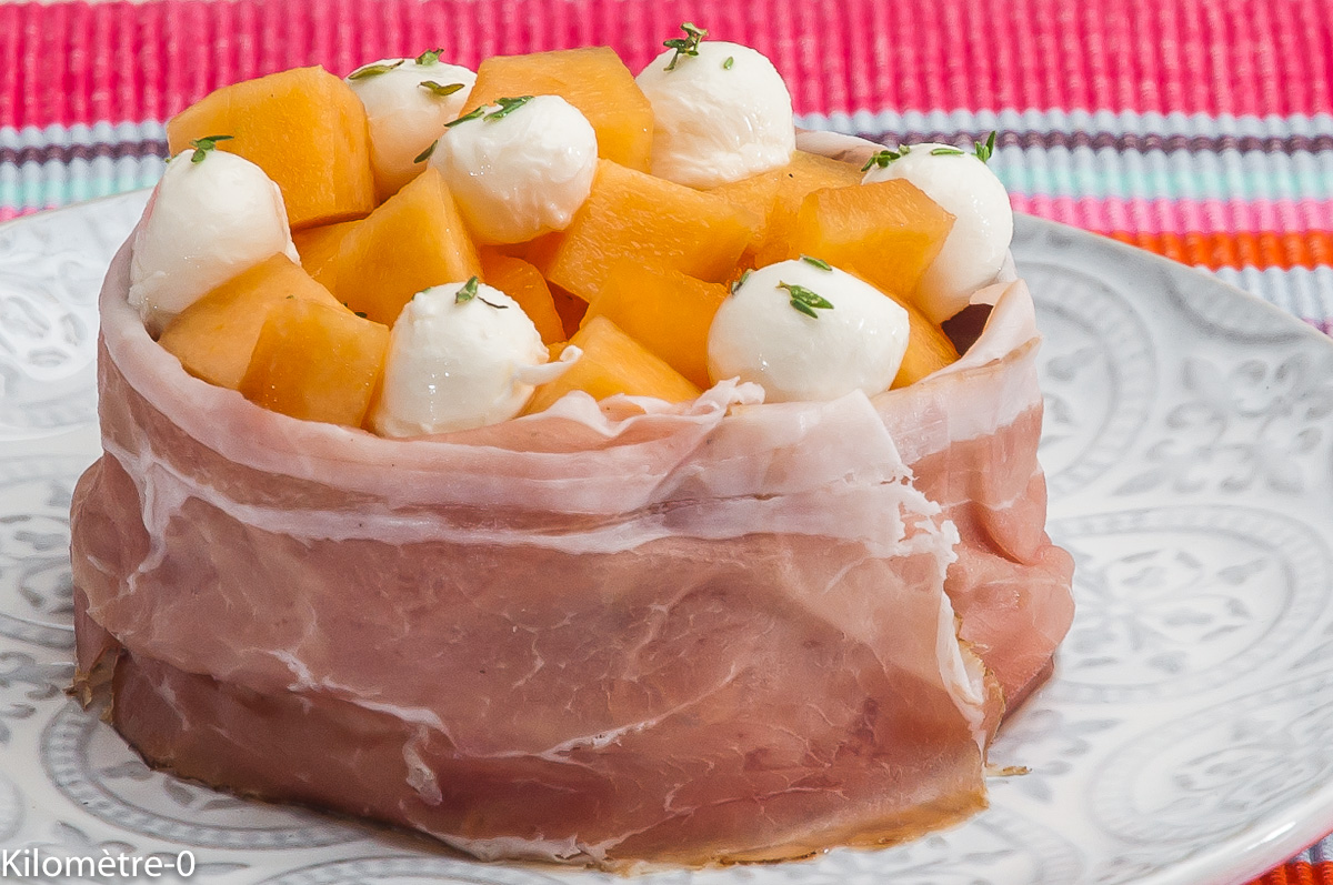 Photo de recette de melon, speck, jambon, mozzarella de  Kilomètre-0, blog de cuisine réalisée à partir de produits locaux et issus de circuits courts