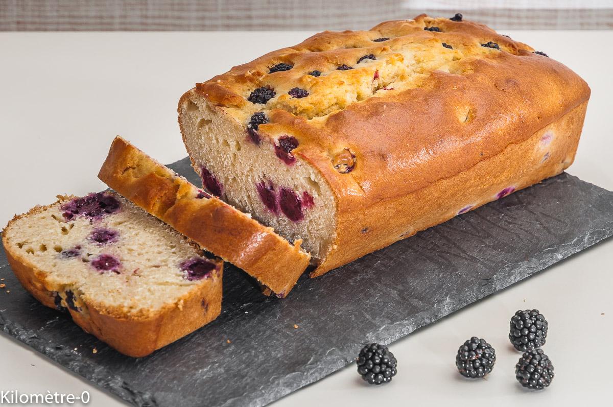 Photo de recette de gâteau aux mûres de  Kilomètre-0, blog de cuisine réalisée à partir de produits locaux et issus de circuits courts