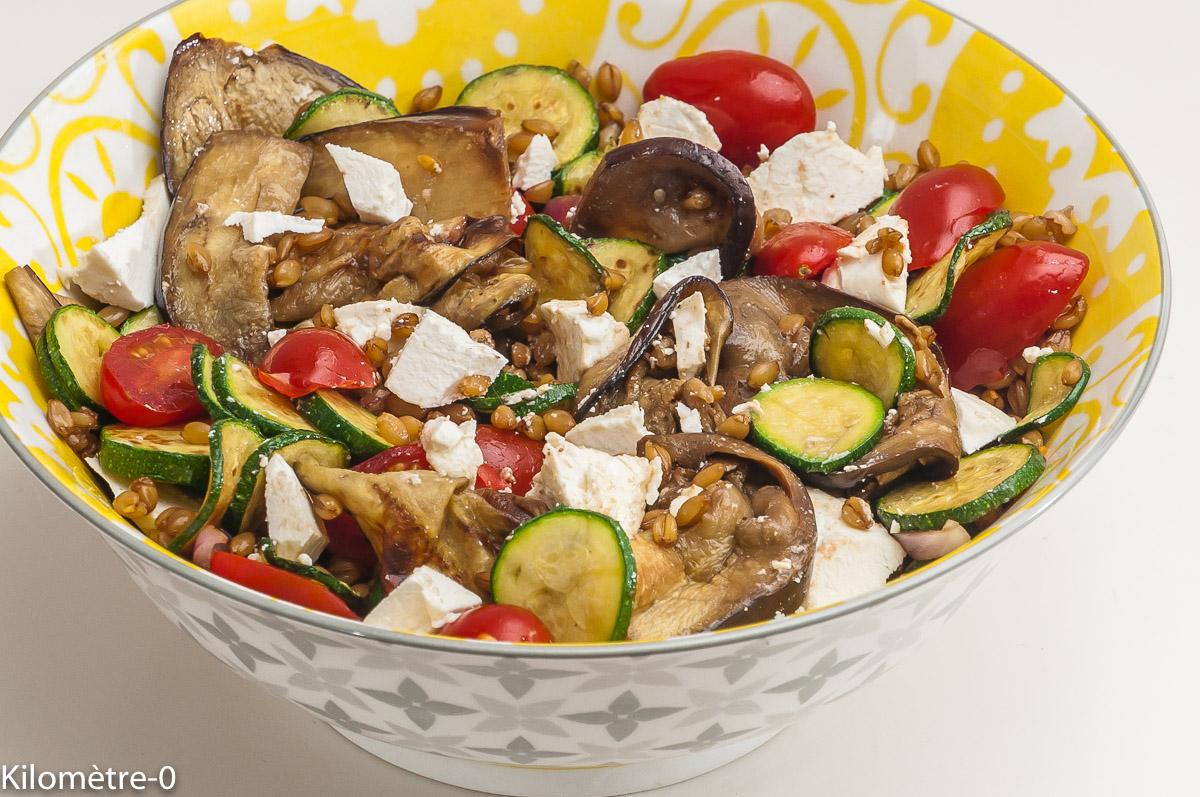 Photo de recette de salade de petit épeautre, tomates, courgettes, aubeergines, bio de  Kilomètre-0, blog de cuisine réalisée à partir de produits locaux et issus de circuits courts