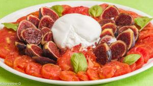 Photo de recette de salade caprese, figues de Kilomètre-0, blog de cuisine réalisée à partir de produits locaux et issus de circuits courts