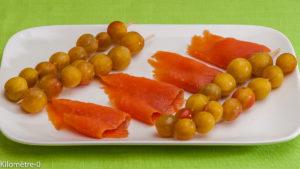 Photo de recette de brochettes, mirabelles, saumon fumé de  Kilomètre-0, blog de cuisine réalisée à partir de produits locaux et issus de circuits courts