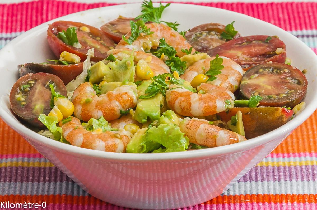 Photo de recette de  salade d'avocat, crevettes, maïs, tomates de Kilomètre-0, blog de cuisine réalisée à partir de produits locaux et issus de circuits courts