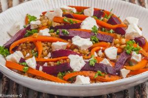 Photo de recette de petit épeautre, salade, carotte, fêta, betterave, healty, vegétarien de Kilomètre-0, blog de cuisine réalisée à partir de produits locaux et issus de circuits courts