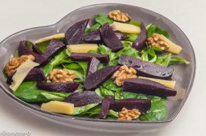 Photo de recette de salade, betterave, noix, mâche, bio, facile,  Kilomètre-0, blog de cuisine réalisée à partir de produits locaux et issus de circuits courts