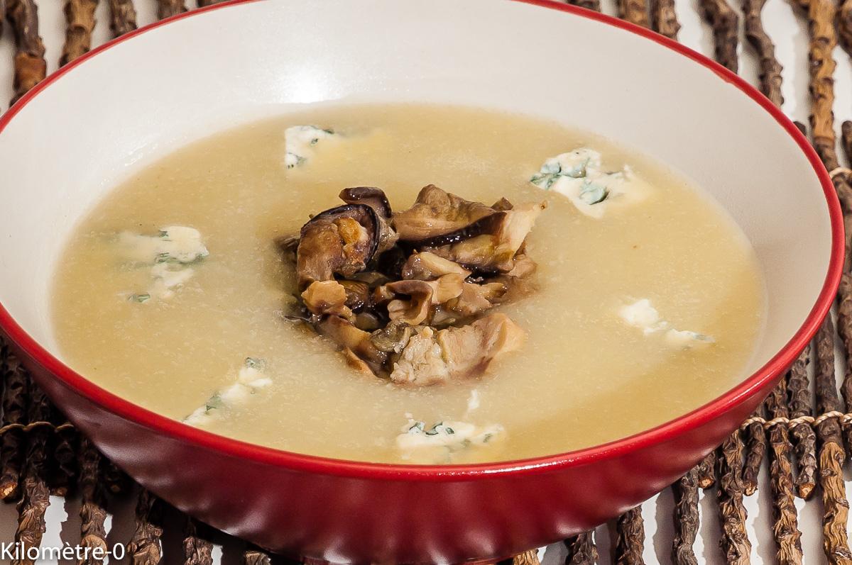 Photo de recette de soupe, céleri, cèpes, fourme d'ambert, bio, facile de Kilomètre-0, blog de cuisine réalisée à partir de produits locaux et issus de circuits courts