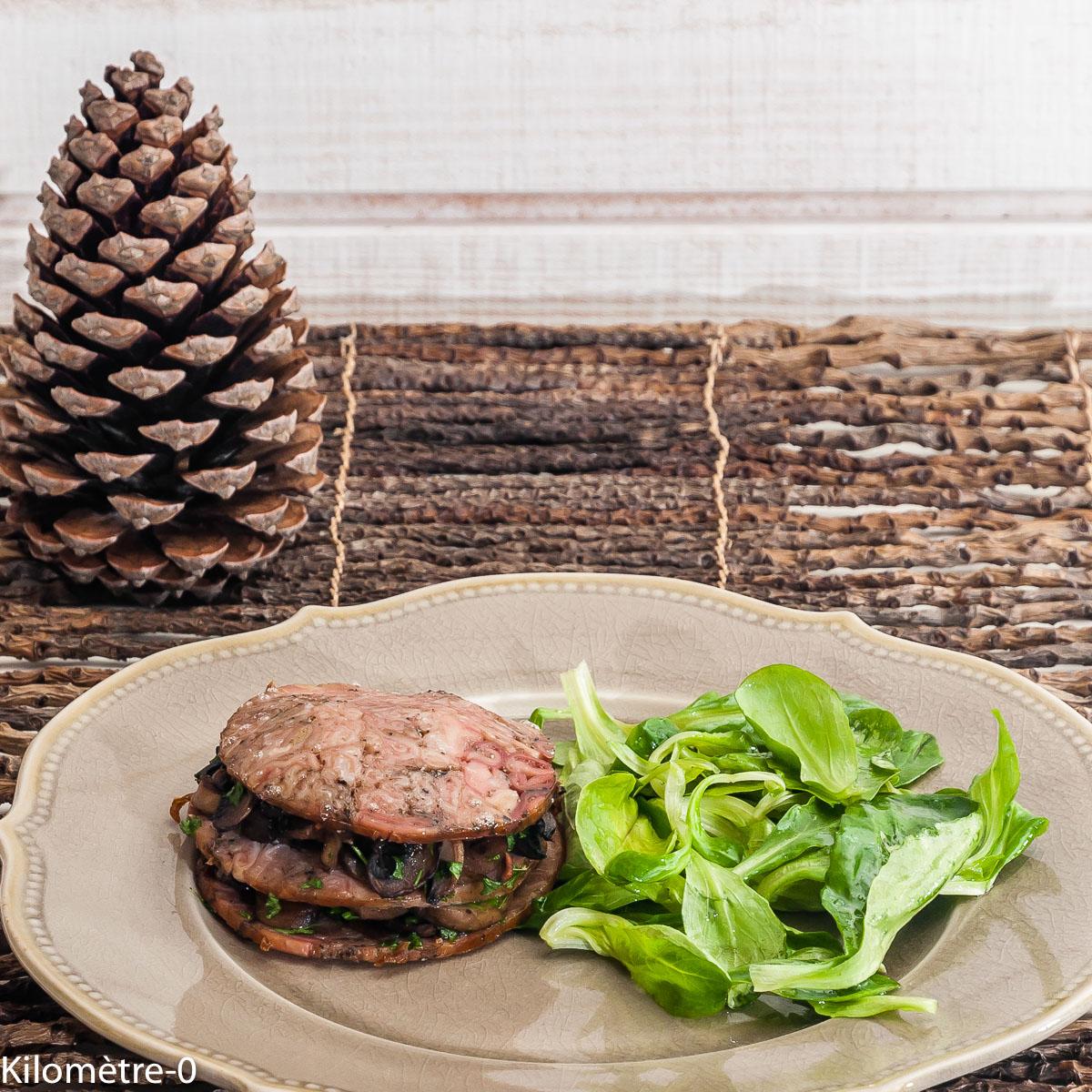 Photo de recette de millefeuilles andouille champignons de Kilomètre-0, blog de cuisine réalisée à partir de produits locaux et issus de circuits courts