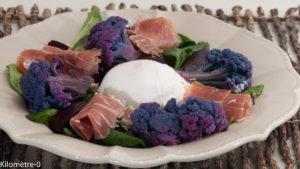 Photo de recette de salade, chou fleur violet, burrata, betteraves de Kilomètre-0, blog de cuisine réalisée à partir de produits locaux et issus de circuits courts