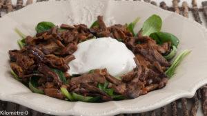 Photo de recette de salade, mâche, burrata de Kilomètre-0, blog de cuisine réalisée à partir de produits locaux et issus de circuits courts