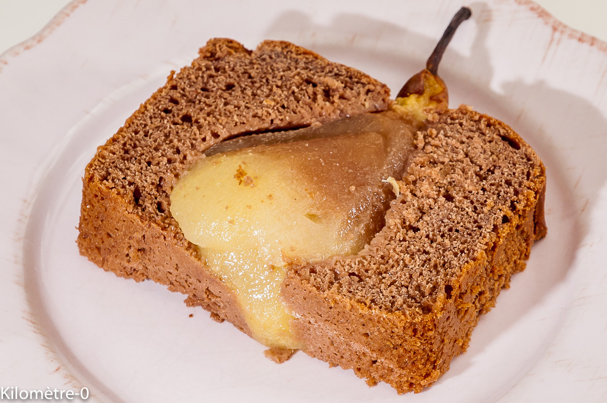Photo de recette de cake aux poires entière de  Kilomètre-0, blog de cuisine réalisée à partir de produits locaux et issus de circuits courts